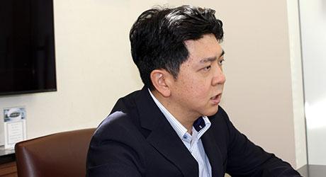 吉野晋太郎近影・吉野所長インタビュー記事ー税理士ドットコム